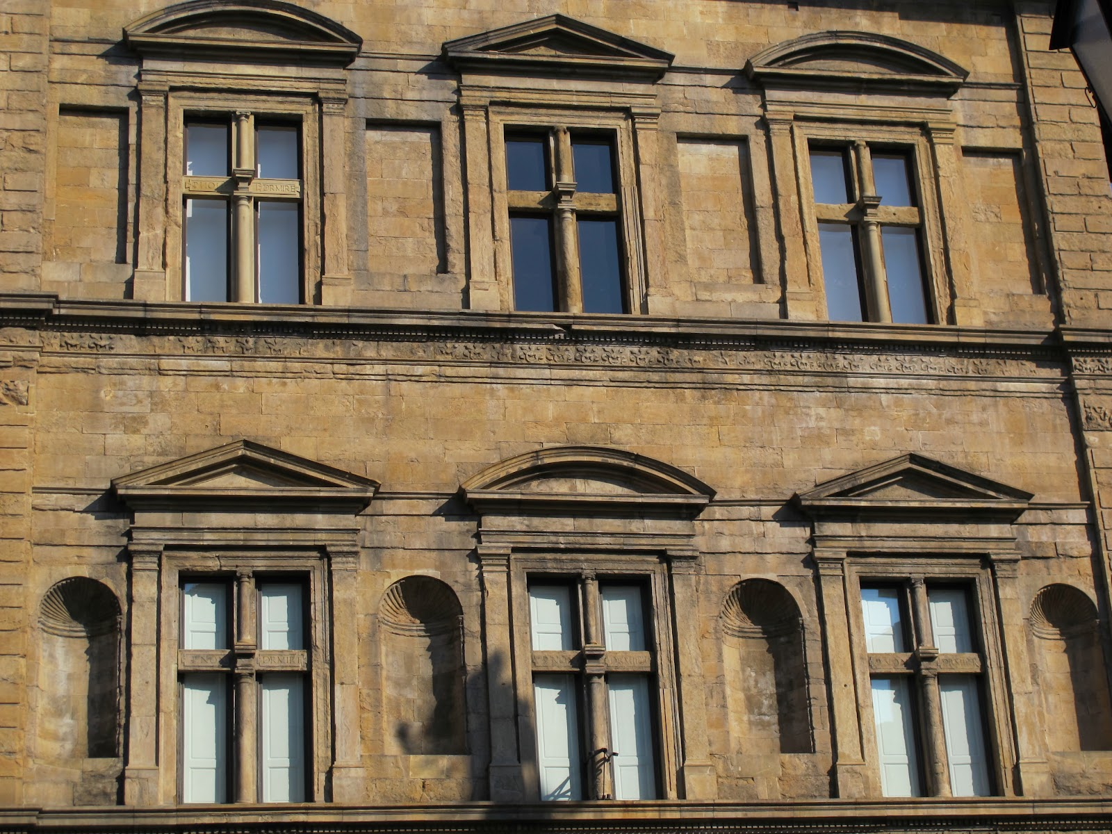 Palazzo_bartolini_salimbeni,_finestr2[1]