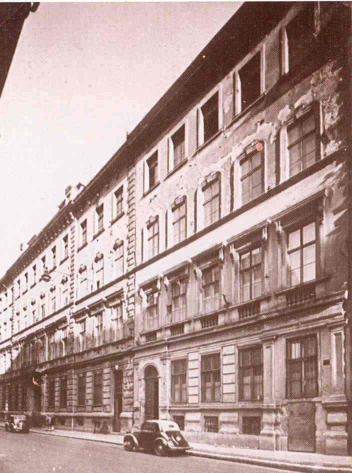 007. 1930-as évek Sánor u épület