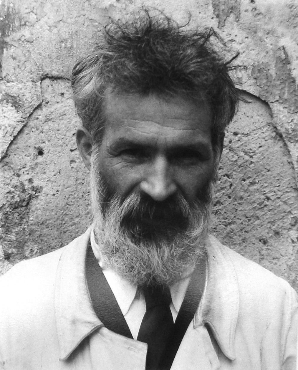 I.01 Constantin Brancusi szobrász portréja