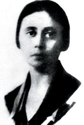 I.02 Pogány Margit 1910-ben készült portréfotója