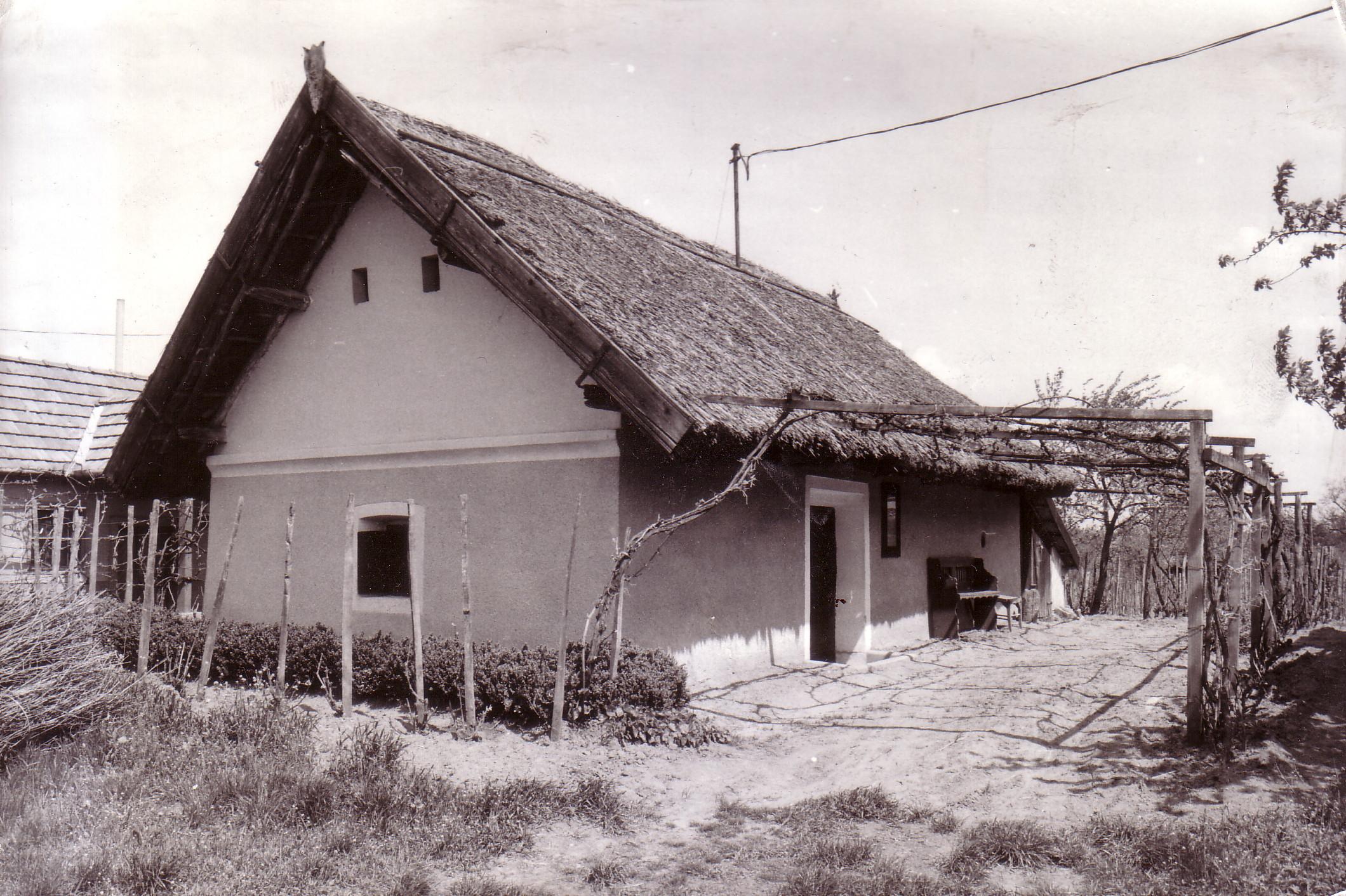 Szabó Béla présháza