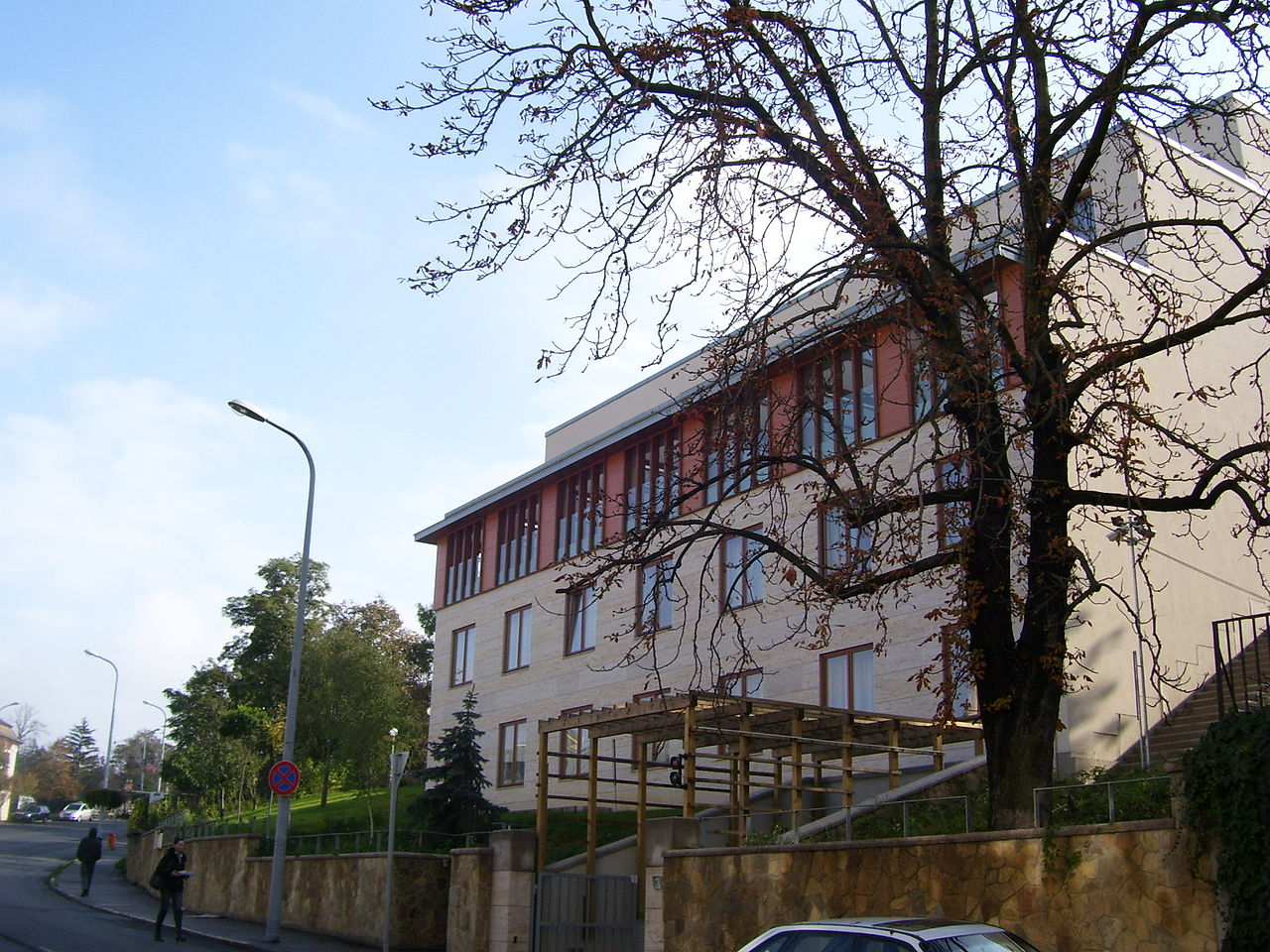 1280px-Hotel_Buda_Castle_007a