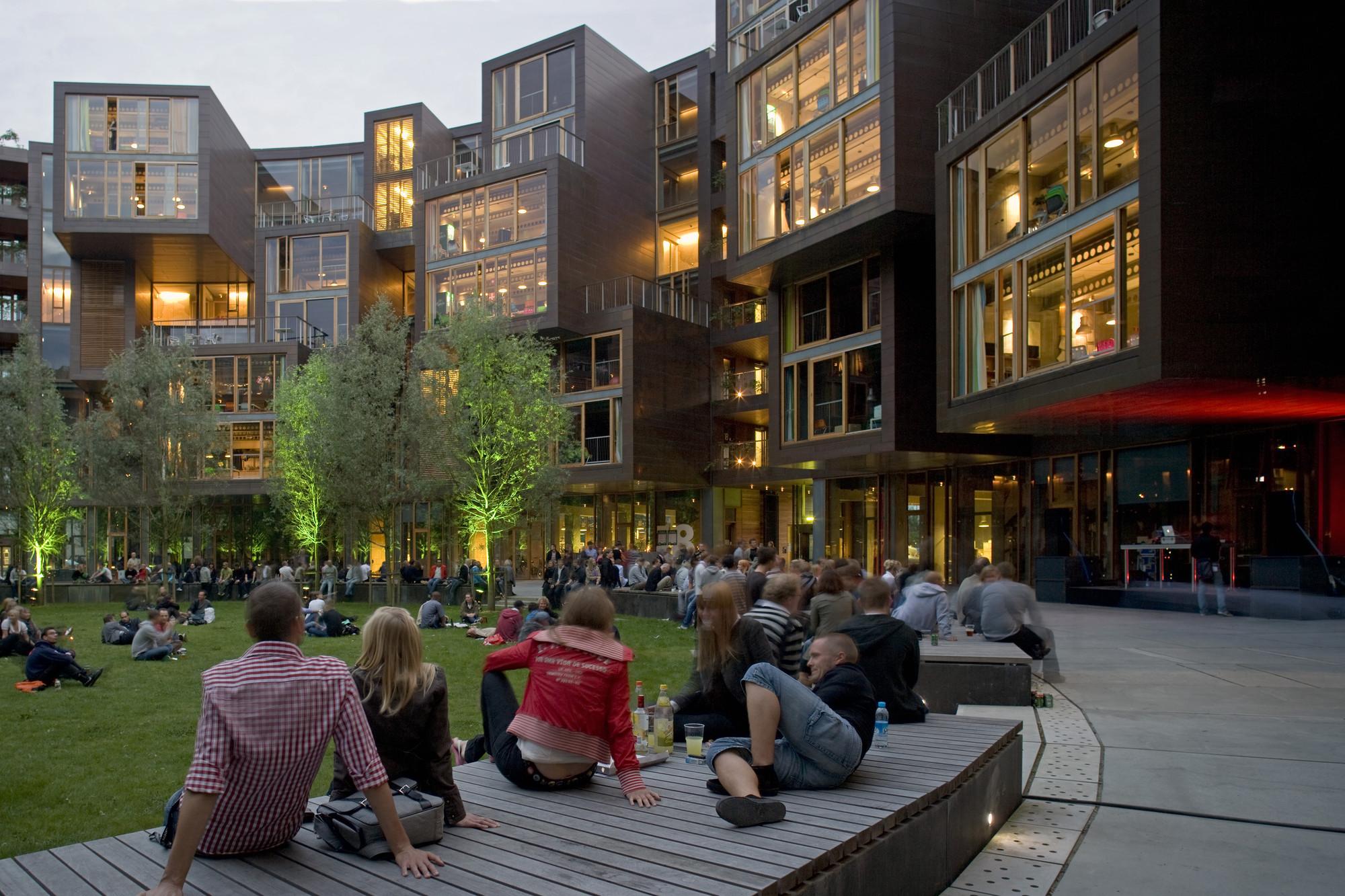 dán építészet_architecture with people_Cykelslangen (1)